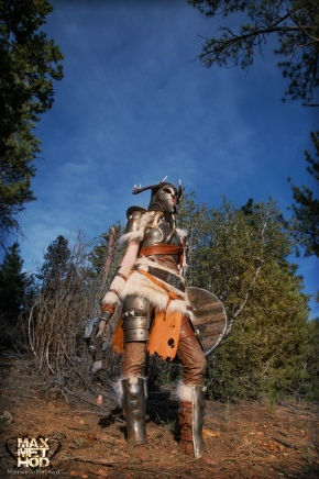 Mind-Blowing-Skyrim-Cosplay05.jpg