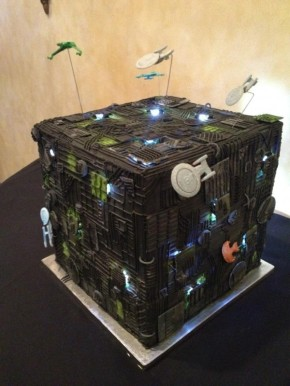 Mind-Blowing-Star-Trek-Borg-Cube-Wedding-Cakejpeg.jpeg