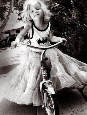 girl-batman-black-and-white.jpg