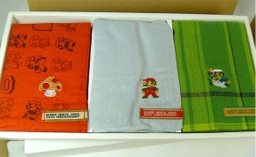 super_mario_hankie_set.jpg