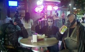 cosplay-batman-joker-bane-las-vegas-2.jpg