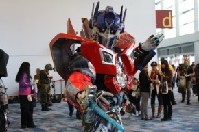 optimus-prime-cosplay-wondercon.jpg