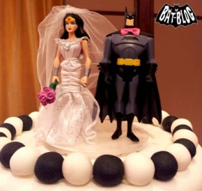 a8422-wedding-cake-topper-wonder-woman-batman-1