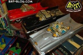 db240-batman-batmobile-tin-toys-thailand-8
