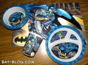 9c174-dollartree-batman-dinnerware