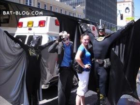 b0156-batman-joker-batgirl-la